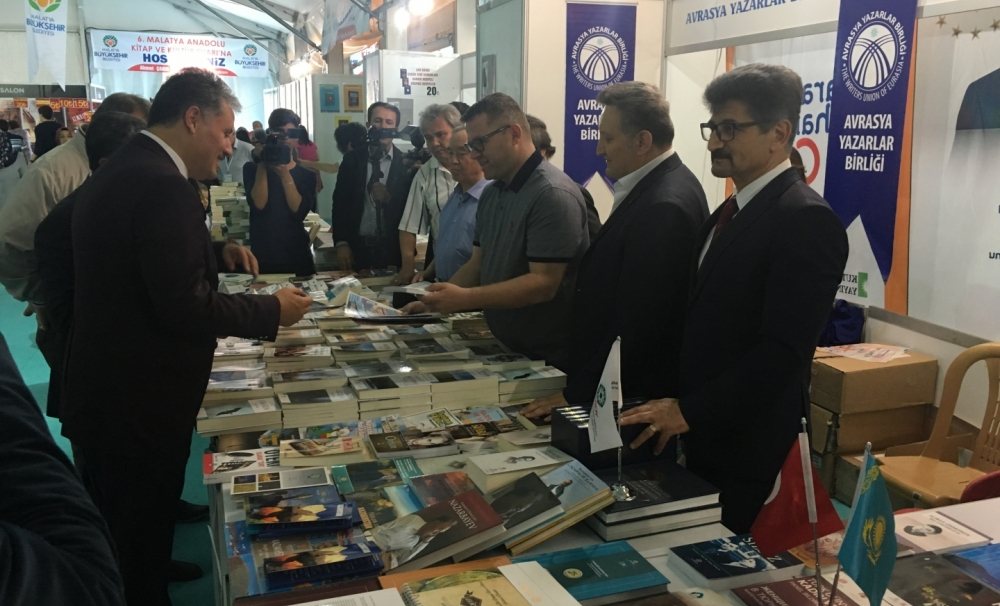 Publications of TURKSOY introduced to visitors of the Sixth Anatolian Book Fair in Malatya
