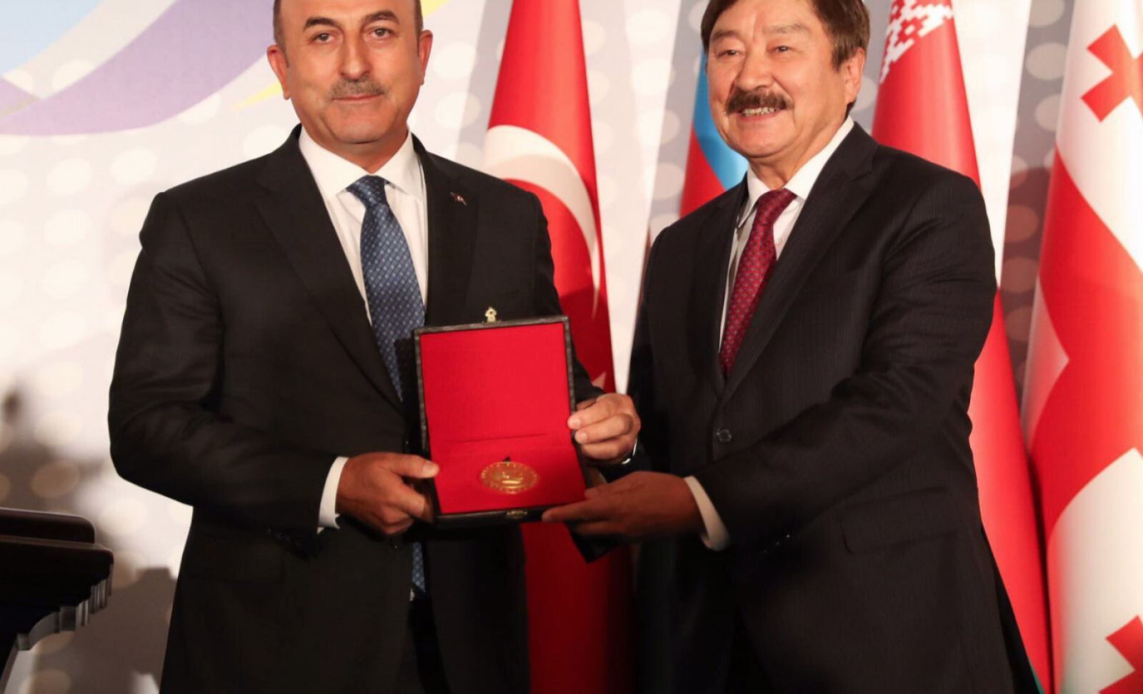 """Outstanding Service Award"" for TURKSOY Secretary General Kasseinov"