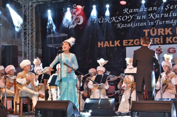 Concert featuring melodies of the Turkic World in the historical district of Taşköprü in Kastamonu