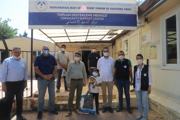 Upon successful surgical intervention in Turkey, the 8 year-old victim of the war in Syria  Abdurrazzak Dip recovered his sight