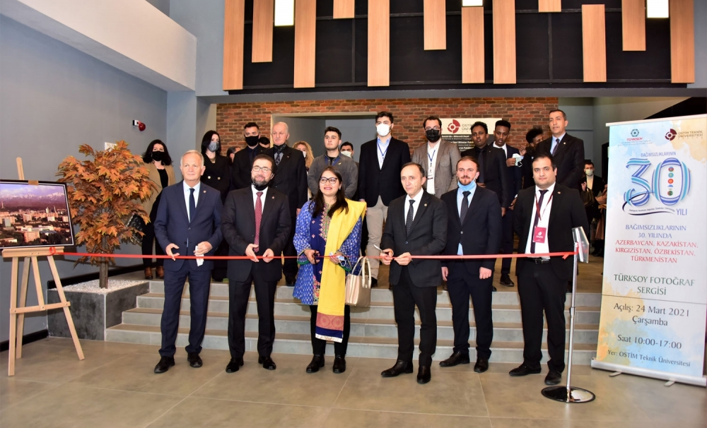 Exhibition of TURKSOY dedicated to the 30th anniversary of the independence of  Turkic republics at the Ostim University