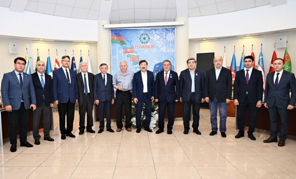 """Authors of the """"Comparative Dictionary of Turkic Dialects"""" came together in  TURKSOY Headquarters"""